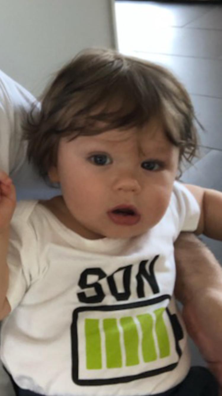 """Malin Stjärna från Kristianstad har skickat in en bild på sin son Vilde: """"Här finns en till med hårväxt som ogräs. Massa hår från födseln - just denna bild är vid fem månader och då har redan första besöket hos frissan varit. Nu är han 13 månader och tre besök hos frisören har varit nödvändigt""""."""