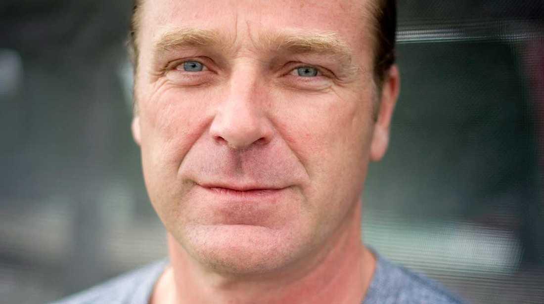 Patrik Sjöberg, som själv utsattes för sexuella övergrepp i sin barndom, uppmanar till mer resurser för att utreda våld och övergrepp mot barn.