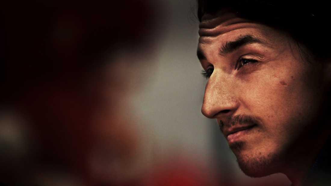 Mustasch Här syns Zlatan med mustasch.