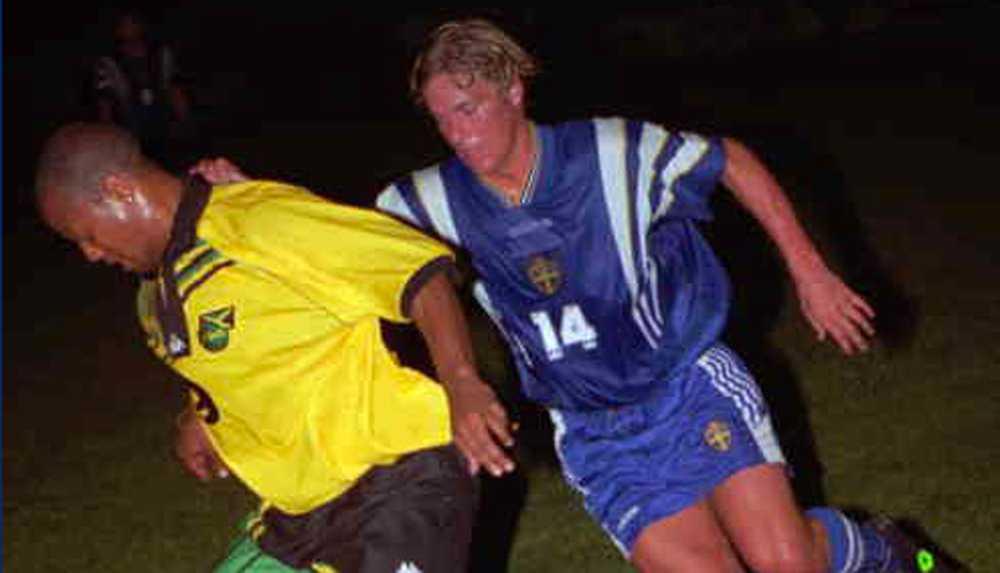 Här spelar Daniel Tjernström sin första landskamp med Sverige. Mötet mot Jamaica slutade 0-0.