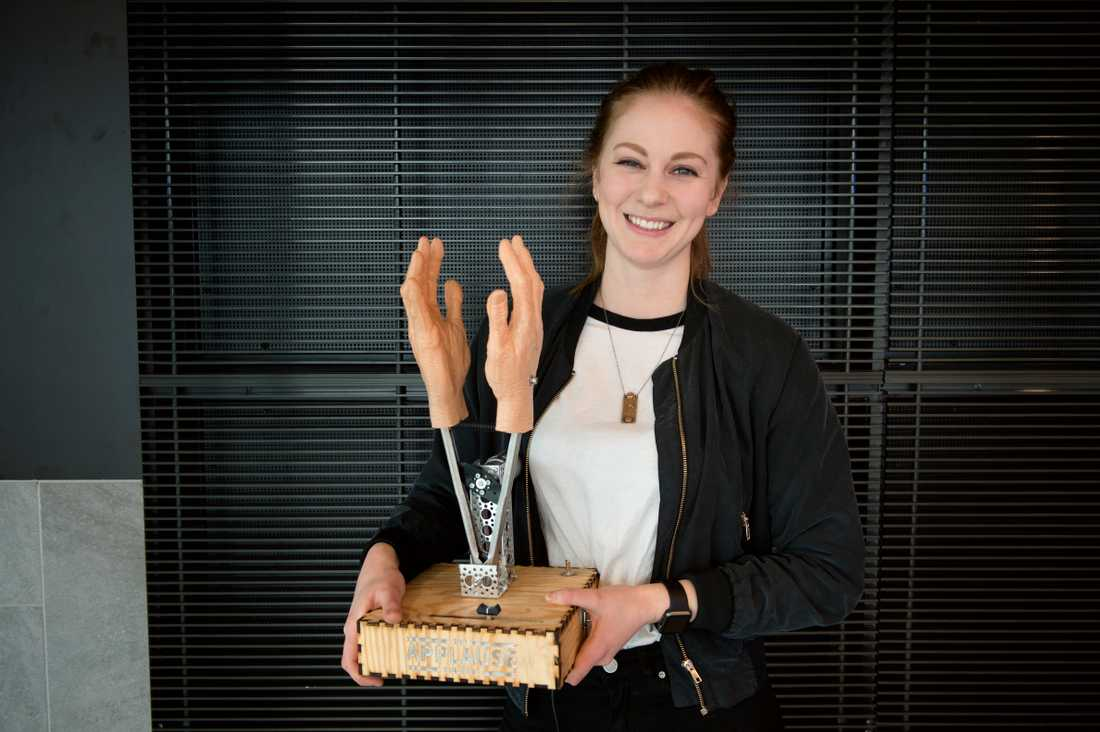 Simone Giertz är en svensk uppfinnare som demonstrerar egenkonstruerade mekaniska robotar på Youtube. Nu vill forskare skapa en virtuell personlighet som liknar henne. Arkivbild.