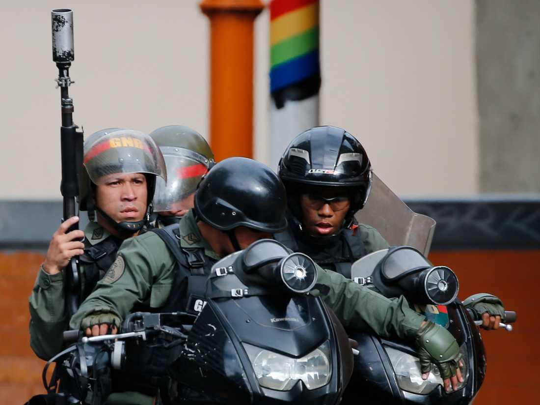 Säkerhetsstyrkor i Caracas.