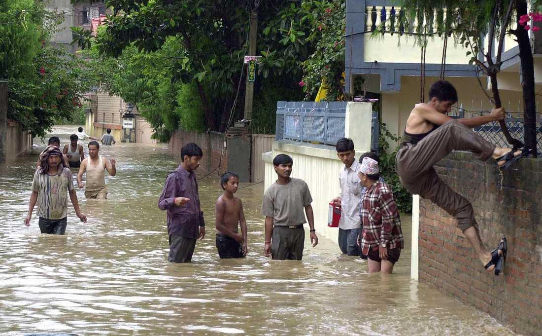 Kraftiga skyfall har orsakat översvämningar i Nepal. Bilden är från ett tidigare tillfälle. Arkivbild.