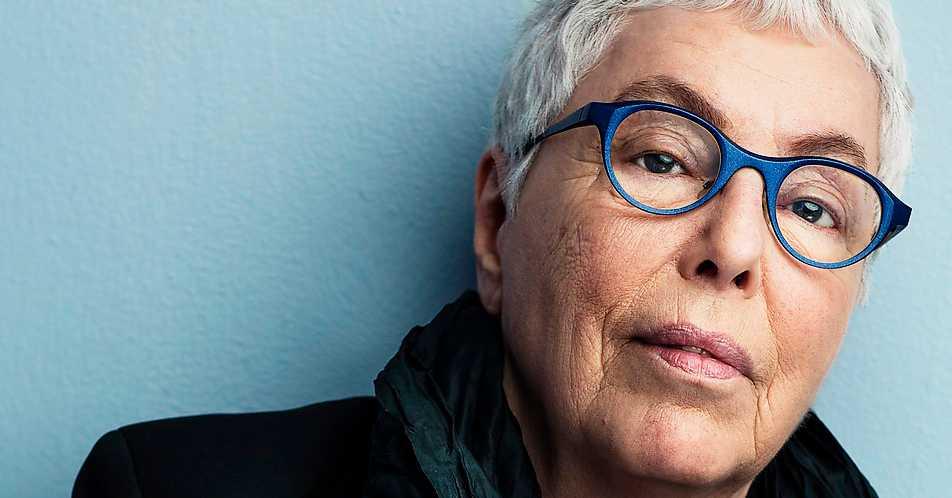 """Yvonne Hirdman berättar i nya boken """"Behandlingen"""" om sin bröstcancer."""