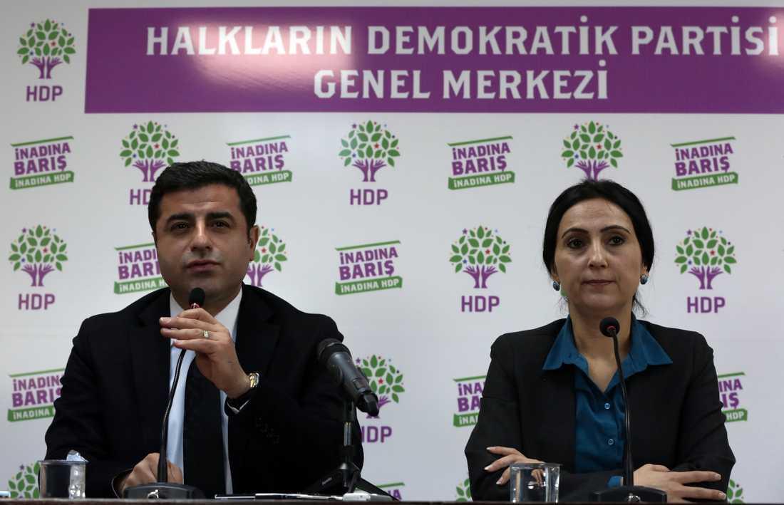 Selahattin Demirtas och Figen Yüksekdag på en presskonferens i Ankara i november 2015.