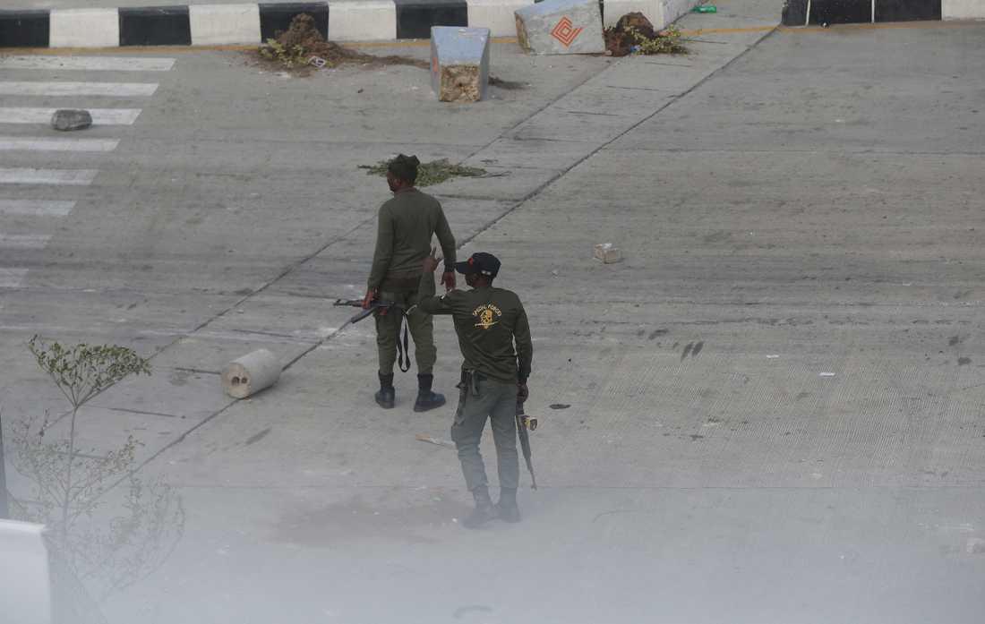 Poliser i stadsdelen Lekki i Lagos på onsdagen.