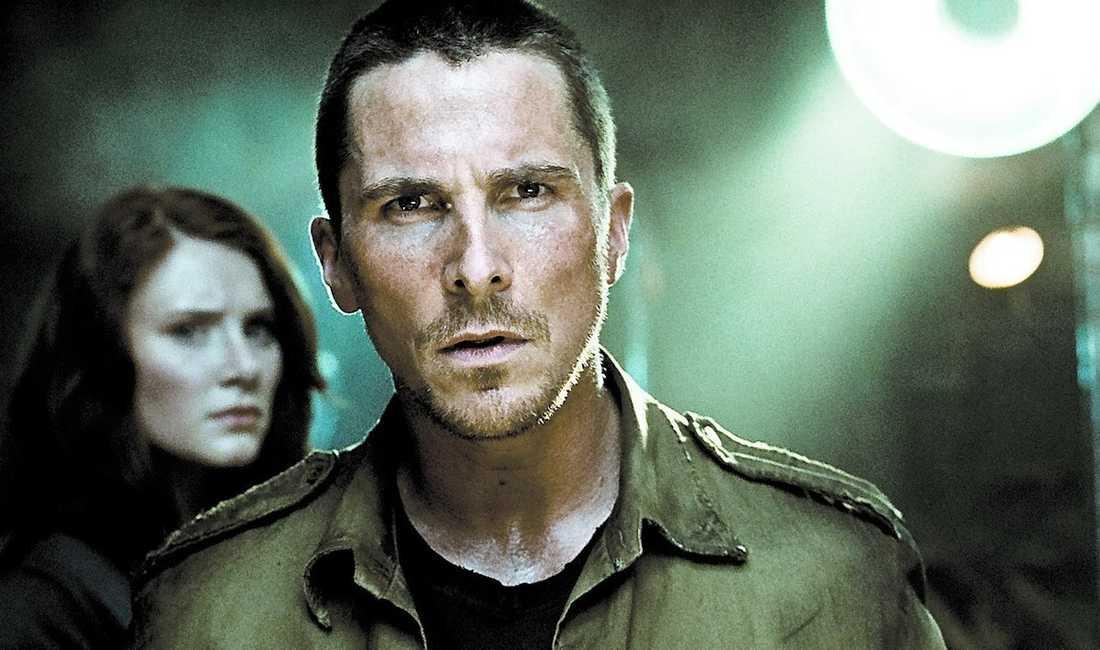 """Bryce Dallas Howard och Christian Bale slåss mot maskinerna i fjärde """"Terminator""""."""