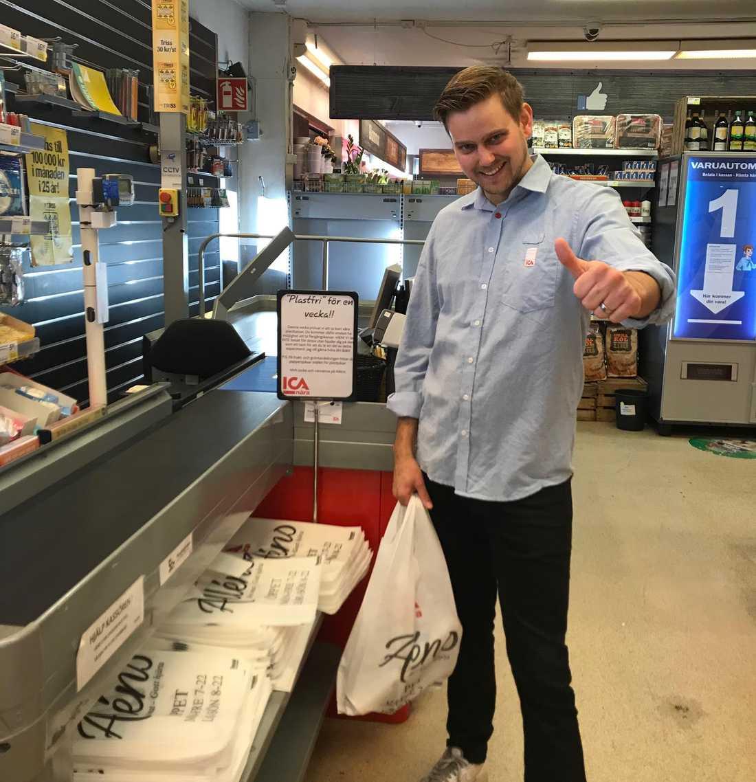 """""""Jag tycker att vi ska lämna tillbaka jorden till våra barn bättre än vad vi är på väg att göra"""", säger butikens ägare Joakim Skotte."""