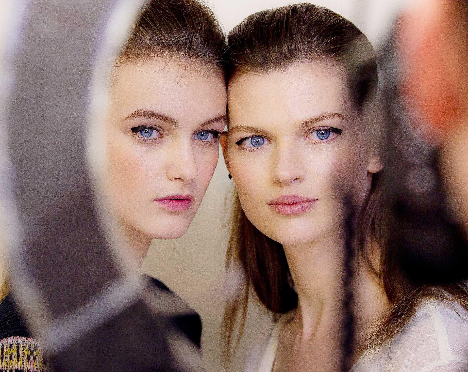 Skönhet är ingen garanti för en positiv självbild. Även många vackra människor lider av komplex och negativ kroppsuppfattning.