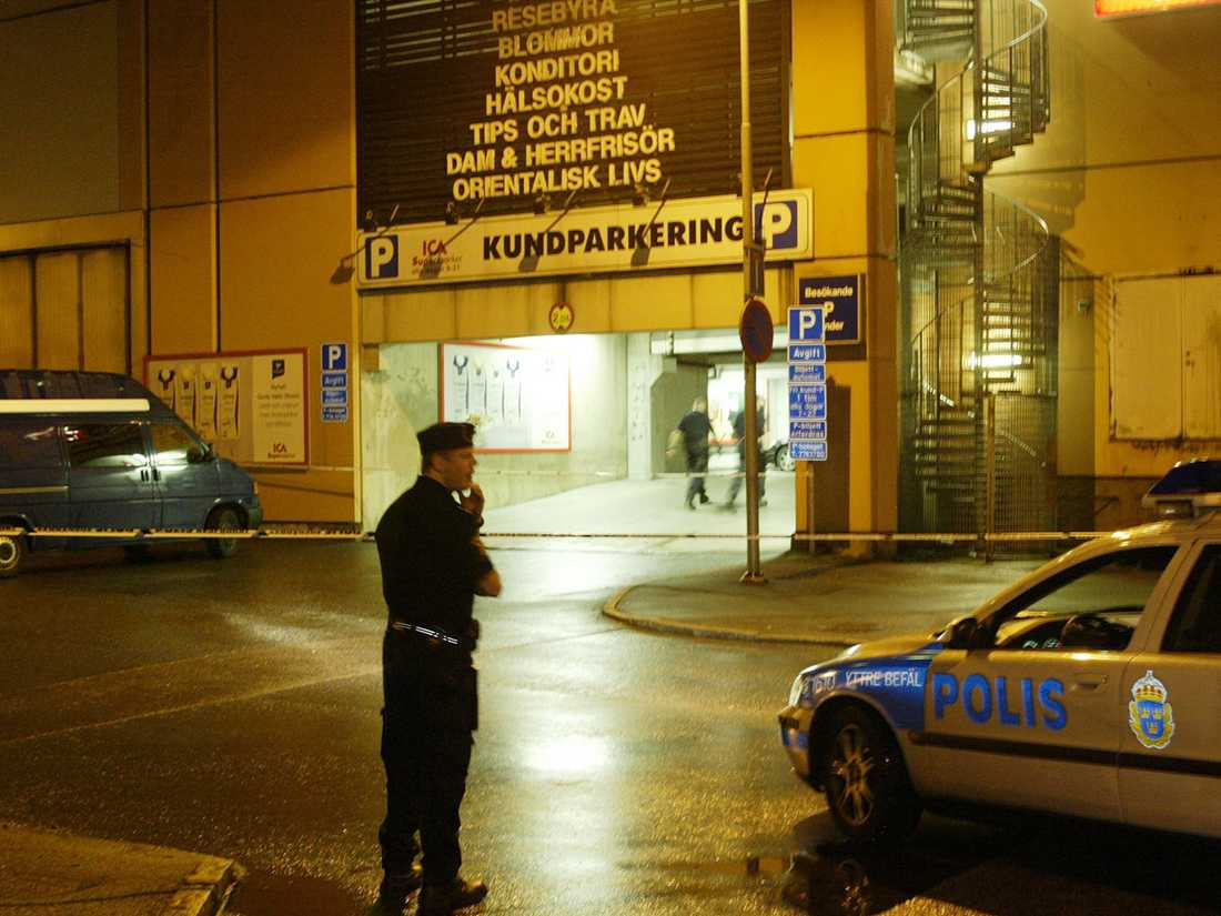 Naser Dzeljilji sköts i ett garage 2006.