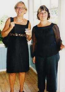 Anna Lindh och Eva Franchell på en bild tagen i augusti 2002.