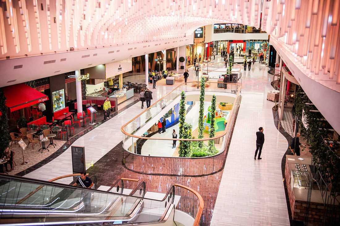 Mall of Scandinavia är Sveriges största galleria.