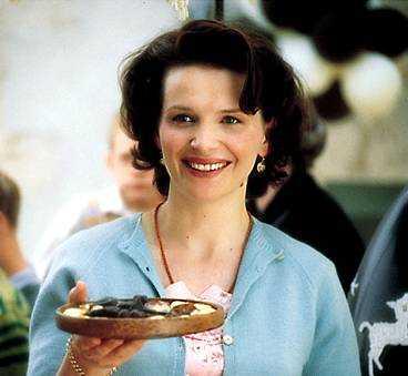 """Juliette Binoche som den ensamstående mamman Vianne i """"Chocolat"""" - en tolkning som kan ge henne en Oscar för bästa kvinnliga huvudroll."""