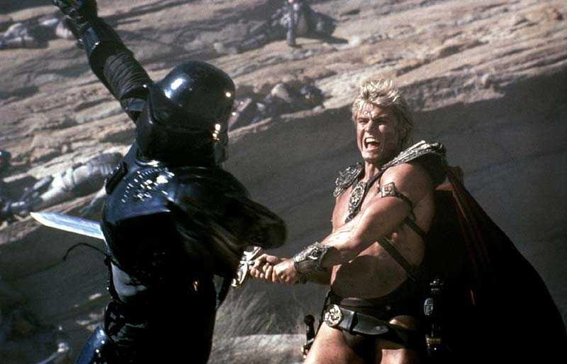 """I """"Masters of the universe"""" från 1987 slaktade svenske Dolph Lundgren badguys med sitt magiska svärd."""
