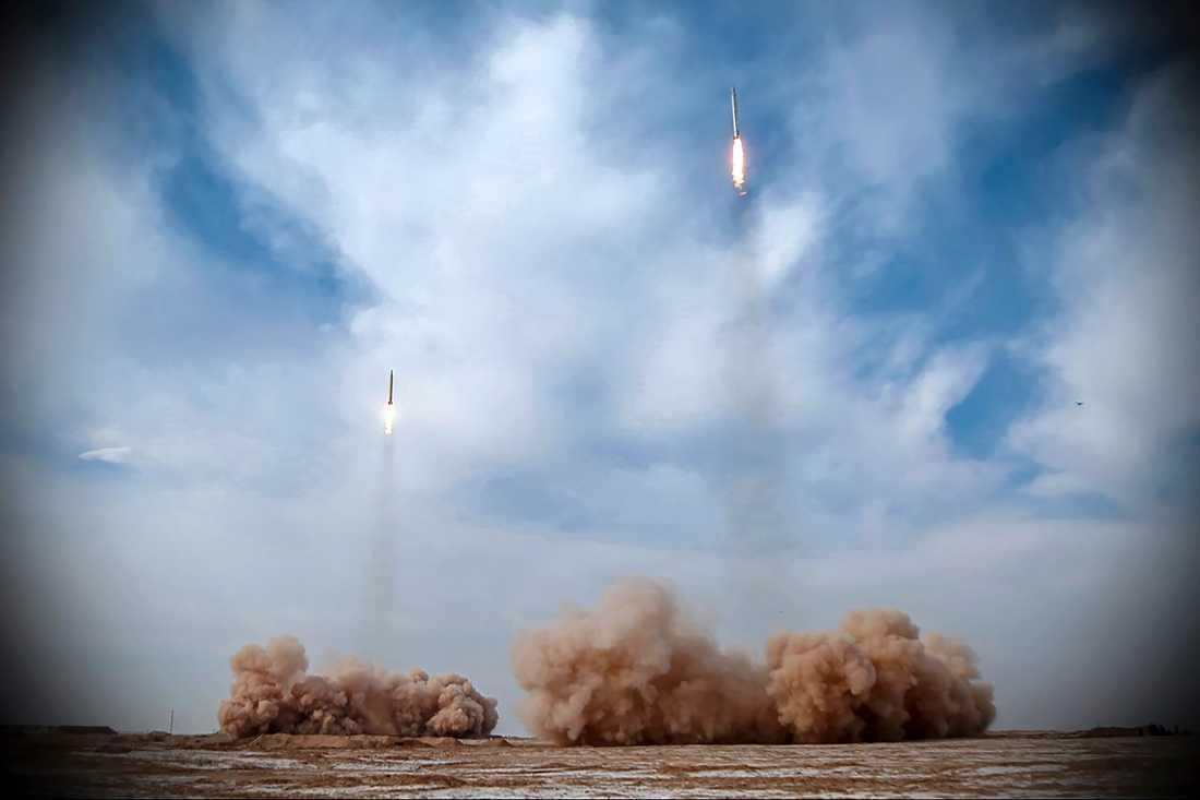 Ballistiska robotar avfyras på en bild som kommer från det iranska revolutionsgardet.