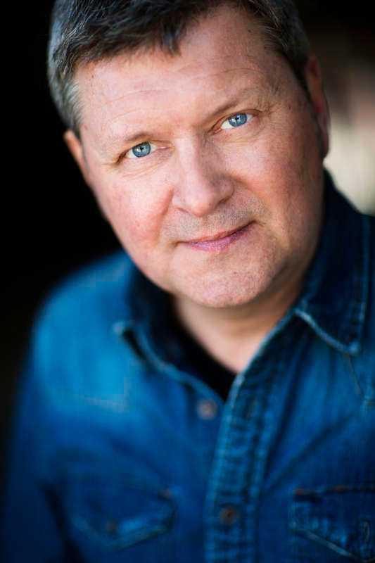 """Johan Åsard, författare till """"Drottningens hemlighet""""."""