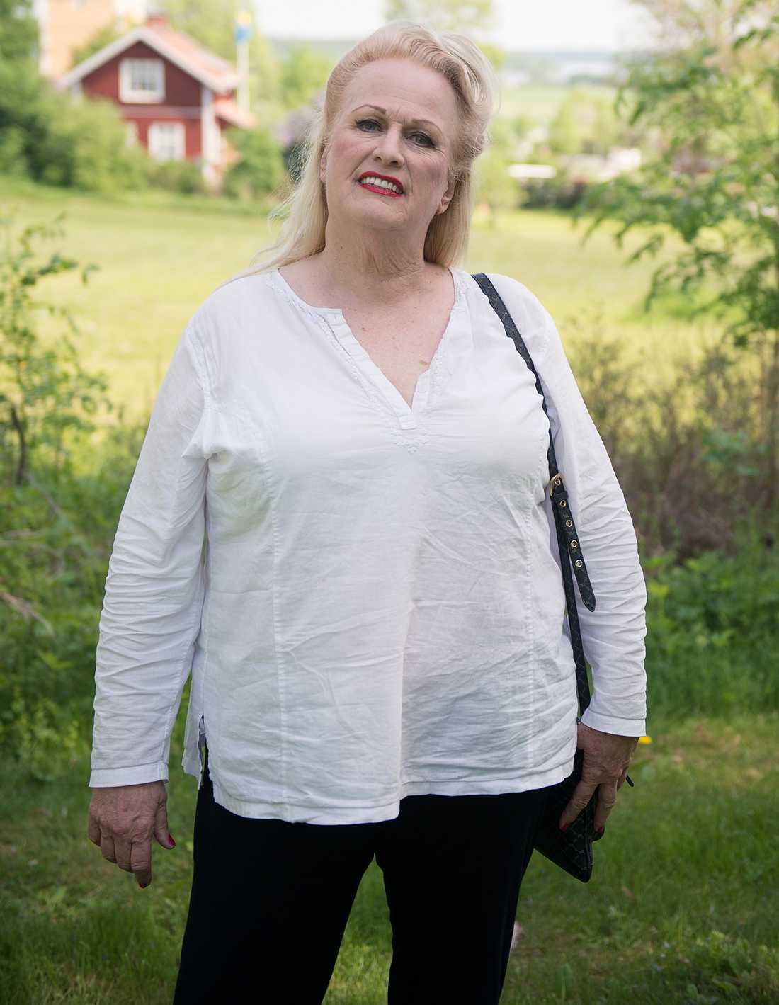 Dianne Bennett, 72.