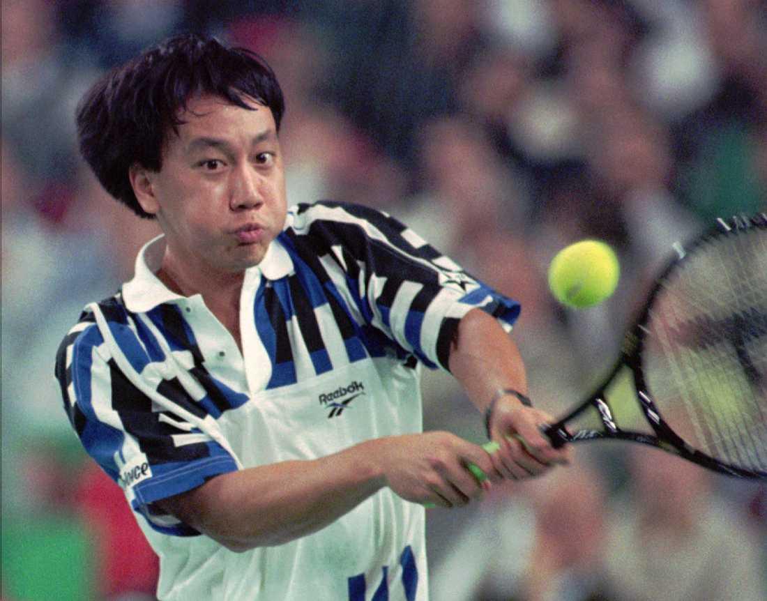1989, Michael Chang (USA) Svensken Stefan Edberg fick 1989 se sig slagen av amerikanen Michael Chang som vann med 6-1, 3-6, 4-6, 6-4, 6-2.