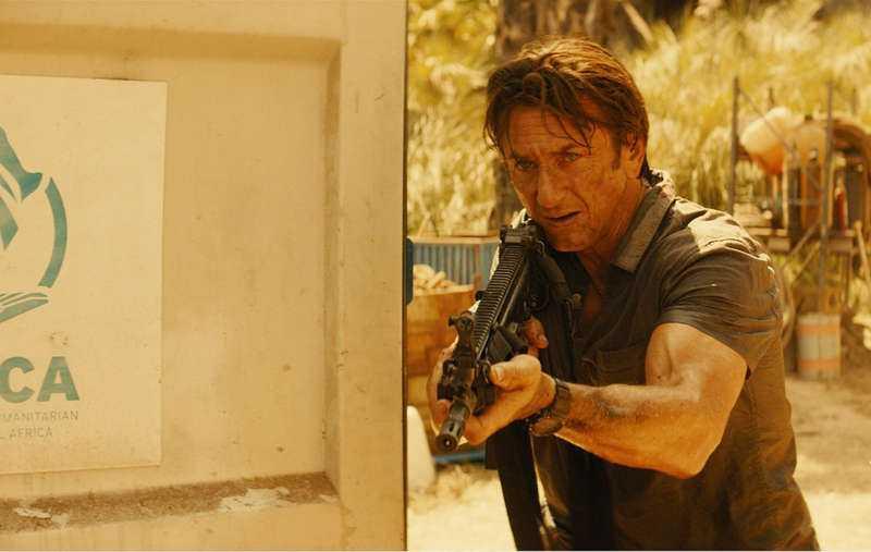 Fåfäng och oengagerad Sean Penn tar varje chans att spela – med musklerna.