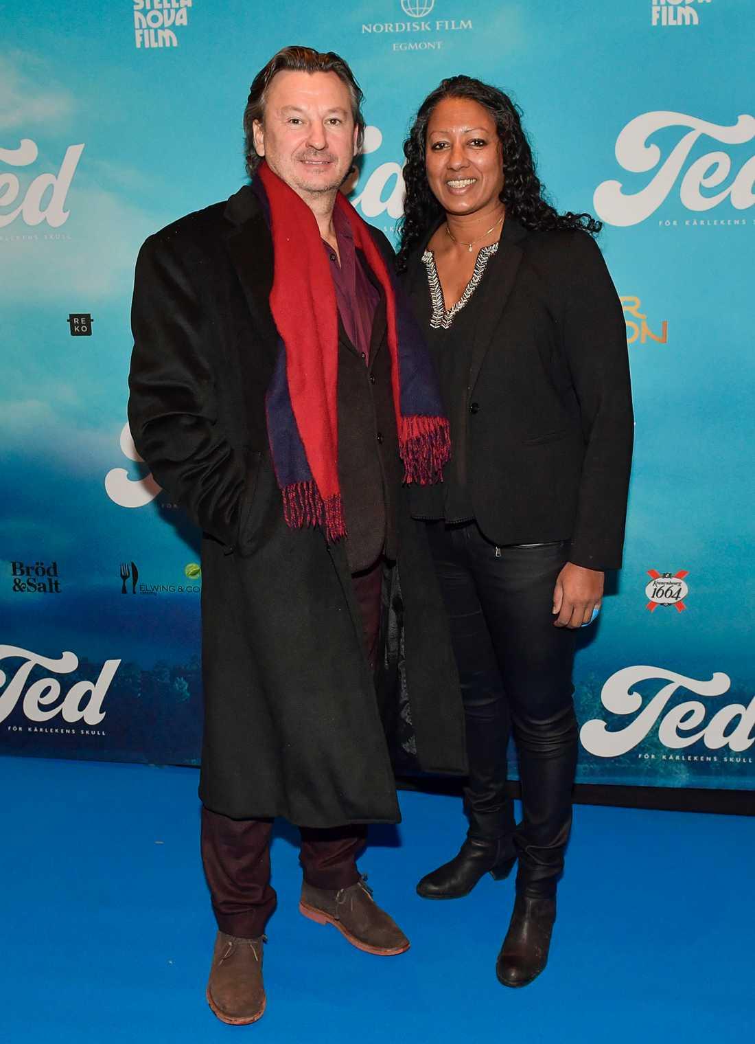 Skådespelaren Anders Ekborg och Lisa Lind.