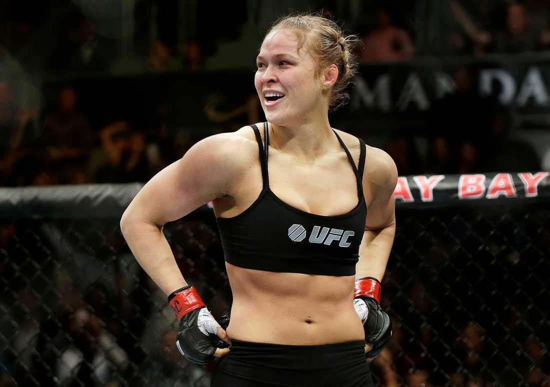 En gång var hon MMA-sportens största namn. Nu börjar Ronda Rousey med wrestling i stället. Arkivbild.