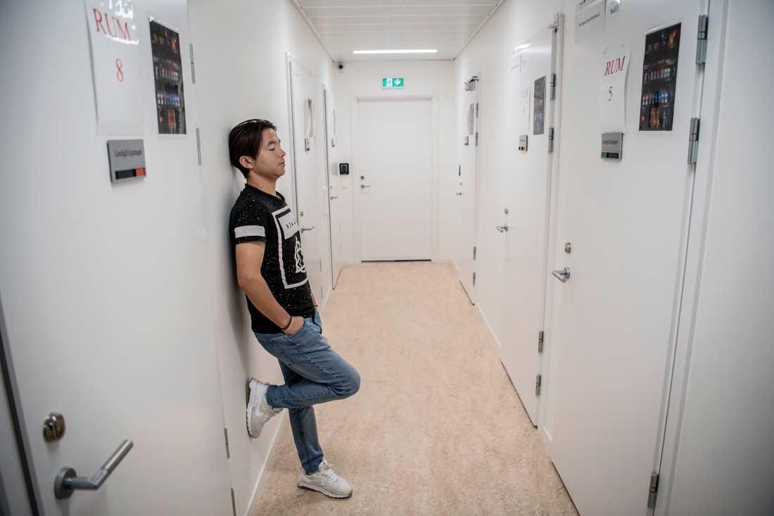 Funktionshindrade Ali satt inlåst på förvaret i Märsta i väntan på utvisning. Nu har han släppts.
