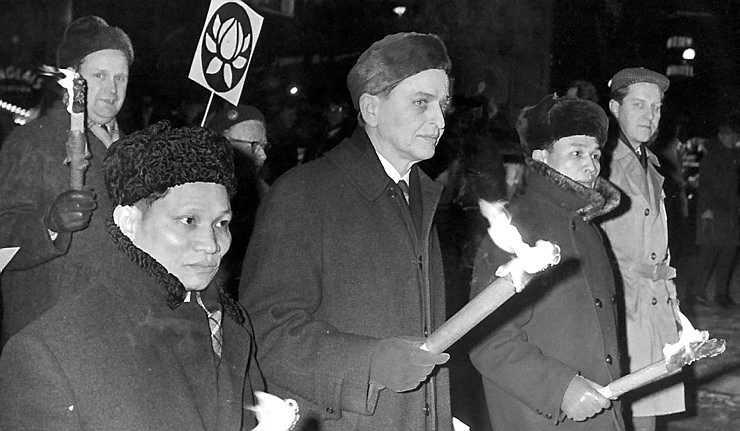 PROTEST MOT USA Olof Palme i spetsen för en demonstration mot USA:s krig i Vietnam 1968.