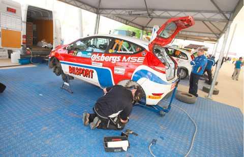 Victor Henriksson drabbades av stora problem under rallyt i Turkiet och tvingades bryta.