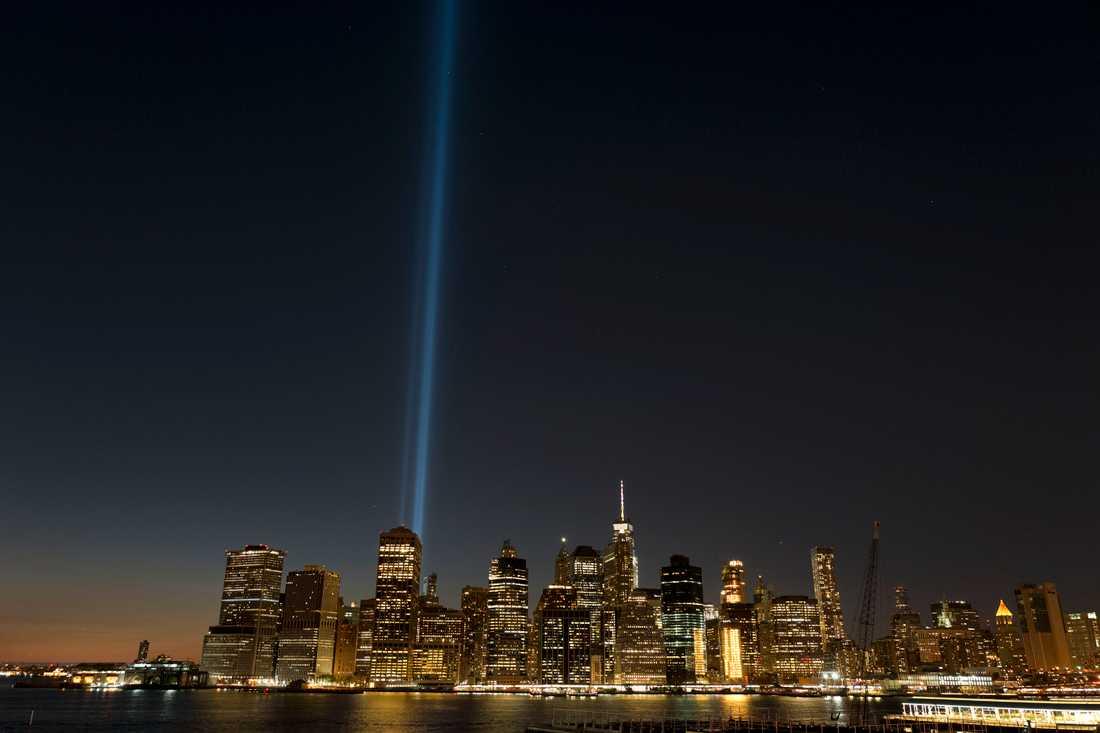 2017 hedrades offren i 11 september-attacken med två pelare av ljus som syntes över hela New York. Arkivbild.