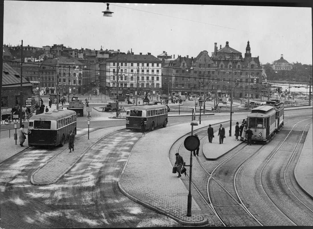 Slussen 1946 Ny busstation vid Södermalmstorg.