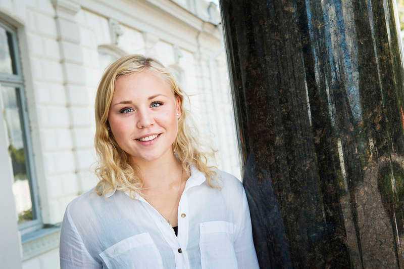 Siktar högt.  Julia Svan, dotter till legendaren Gunde Svan, vill gå i pappas fotspår och bli nummer ett i världen. Foto
