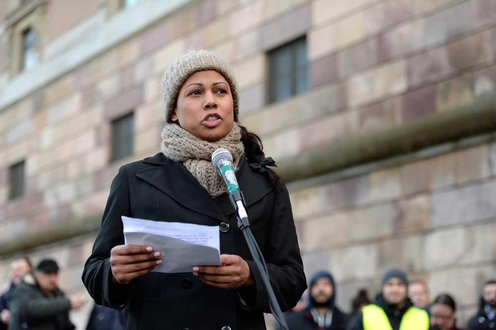 Demokratiminister Alice Bah Kuhnke (MP) lovade i ett tal nya åtgärder mot islamofobin