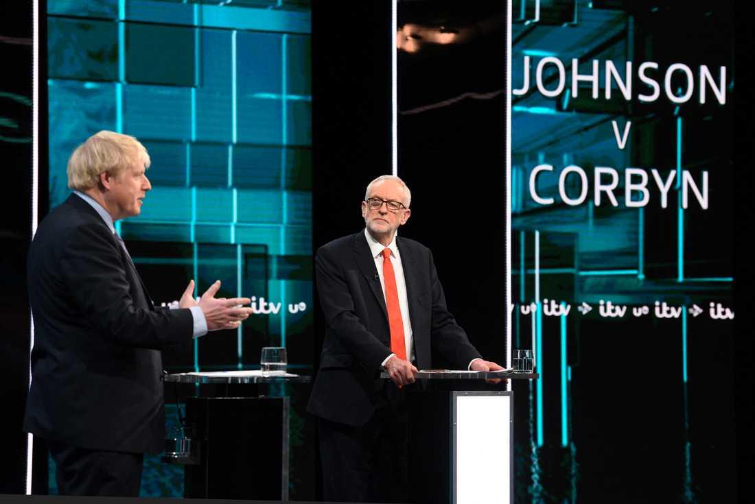 Boris Johnson och Jeremy Corbyn i tisdagens partiledardebatt inför valet i december.
