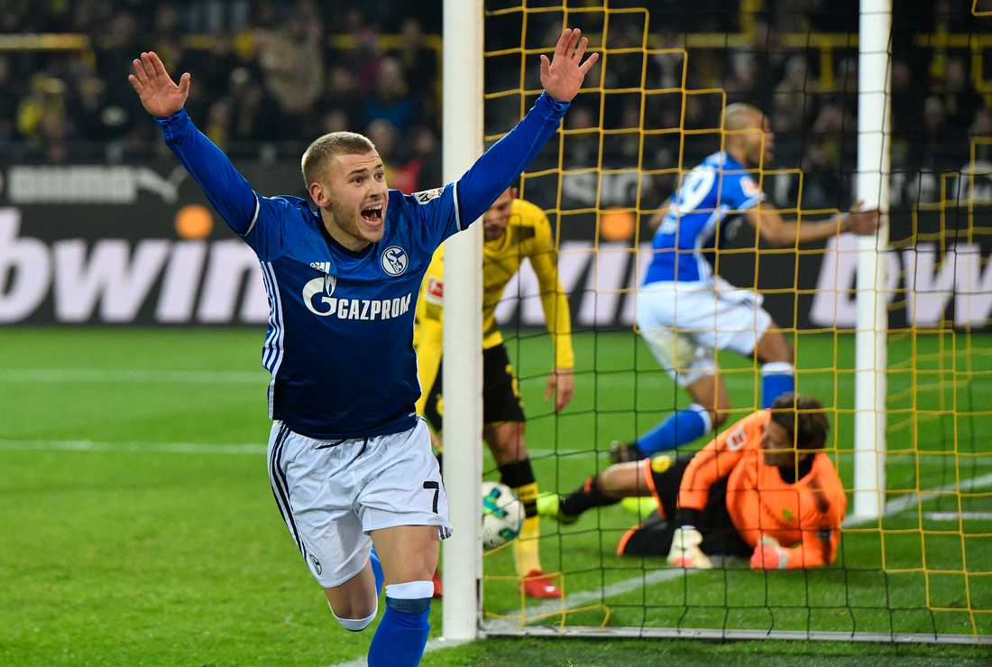 Max Meyer i Schalke-tröjan 2017.