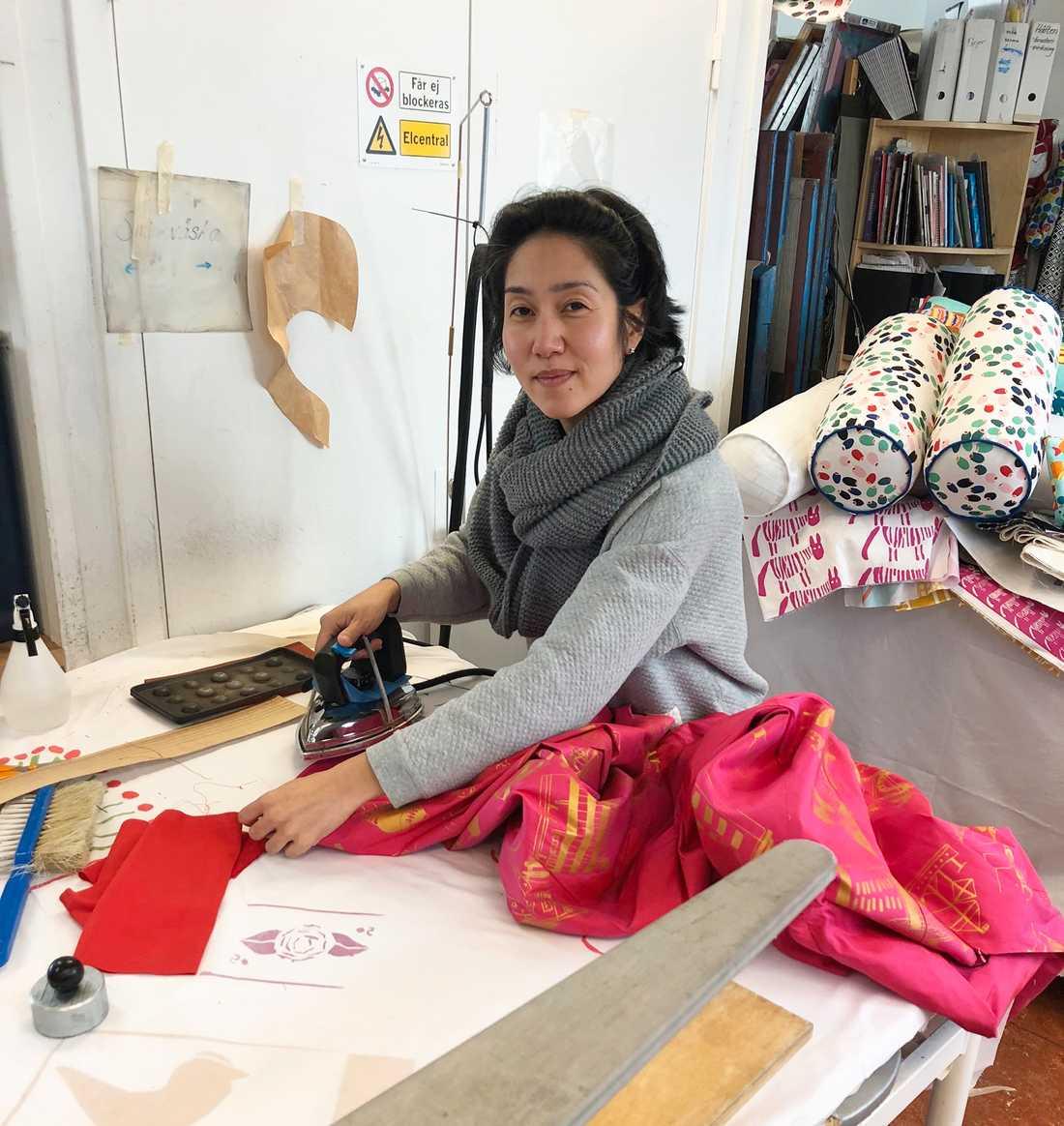 Soondely de Jesus Wang har jobbat som designer och lärare på Livstycket sedan 2004.