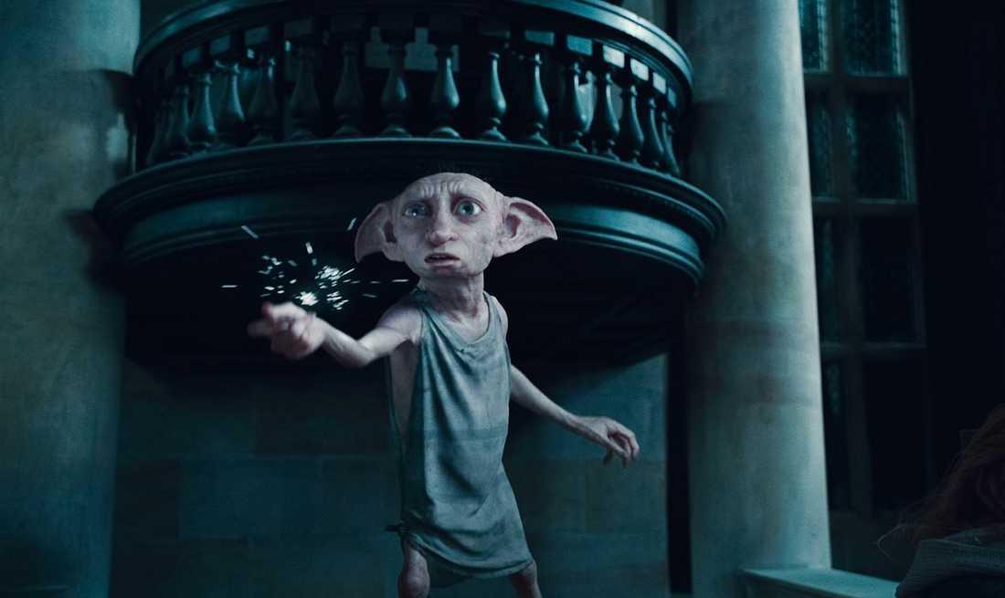 Dobby är husalf åt familjen Malfoy.