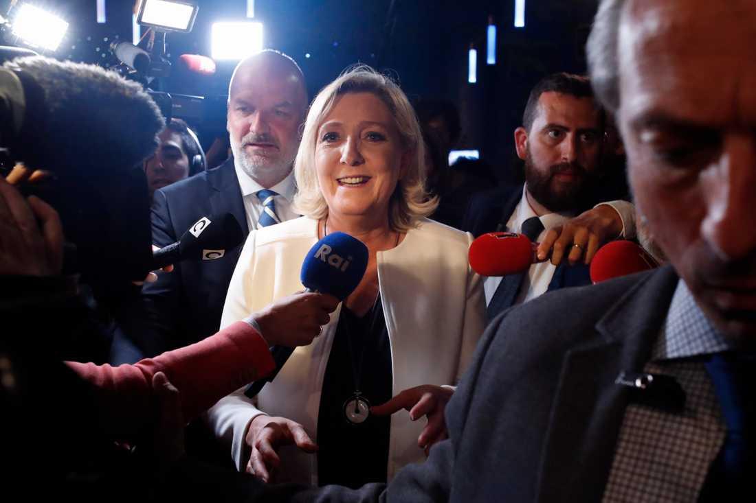 Marine Le Pen krävde på valkvällen att Emmanuel Macron upplöser den franska nationalförsamlingen.