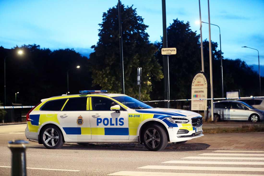En 24-årig man sköts ihjäl under torsdagskvällen.
