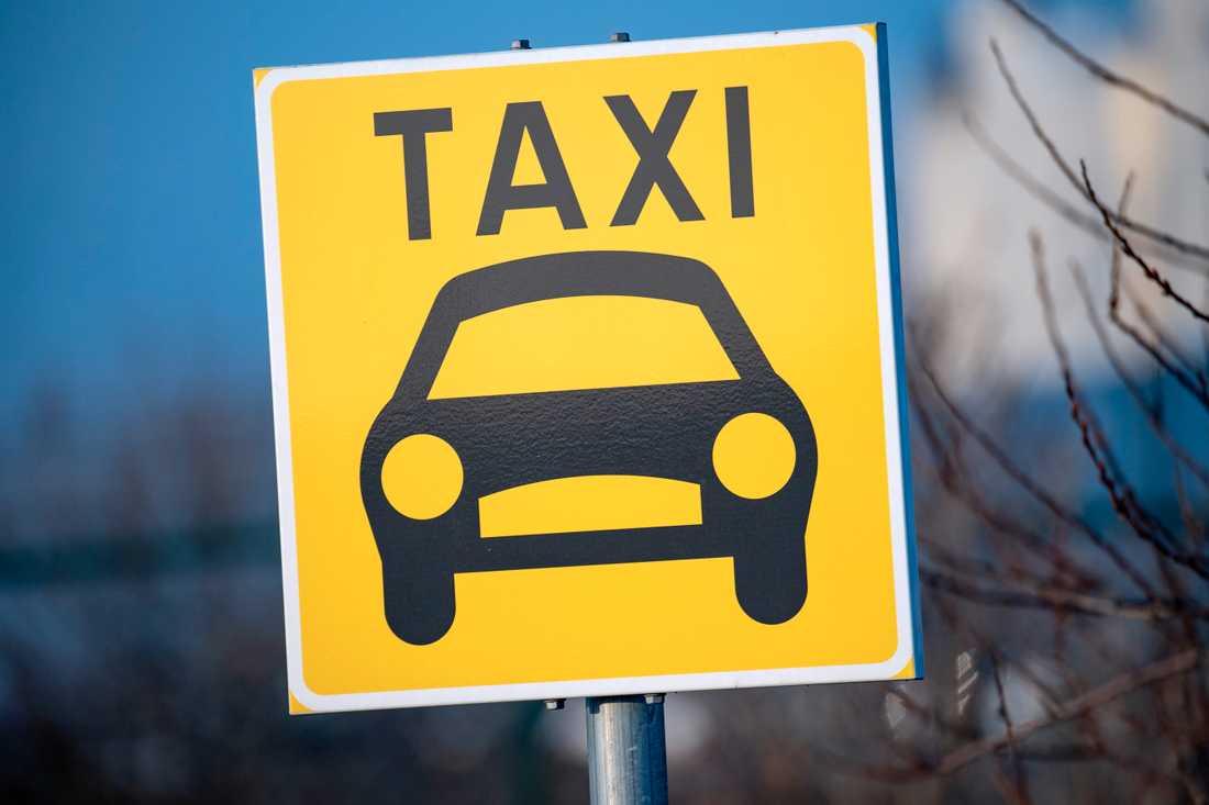 Taxi i Stockholm och Göteborg körde för fort på 80-väg i nio fall av tio i en granskning som gjorts av Statens väg- och transportforskningsinstitut (VTI) i samarbete med flera myndigheter. Arkivbild.