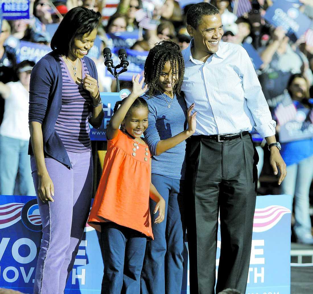 BARN I VITA HUSET Den 20 januari flyttar familjen Obama in – med två barn. Det är 10 år sedan det fanns barn i Vita huset. Det var Chelsea Clinton.