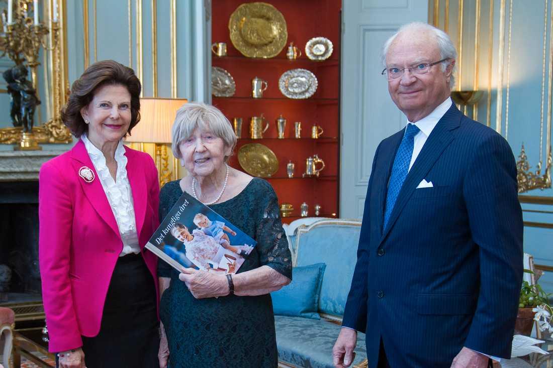 Drottning Silvia, Dagny Carlsson och kung Carl Gustaf.