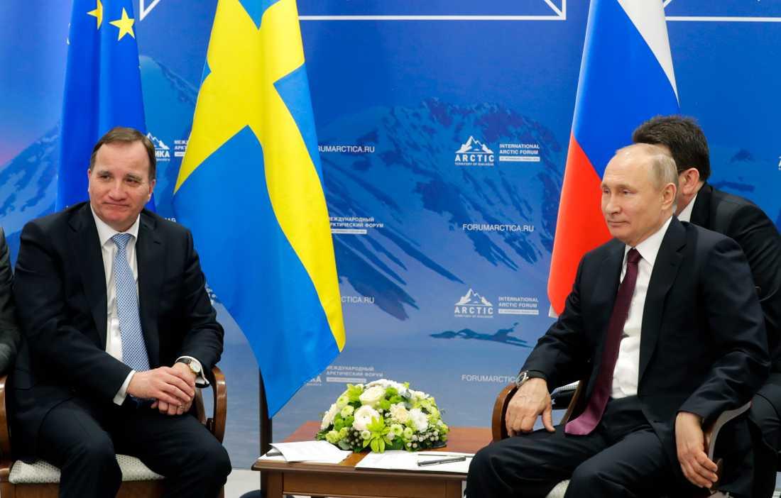 Statsminister Stefan Löfven och Rysslands president Vladimir Putin möts för första gången på tu man hand.