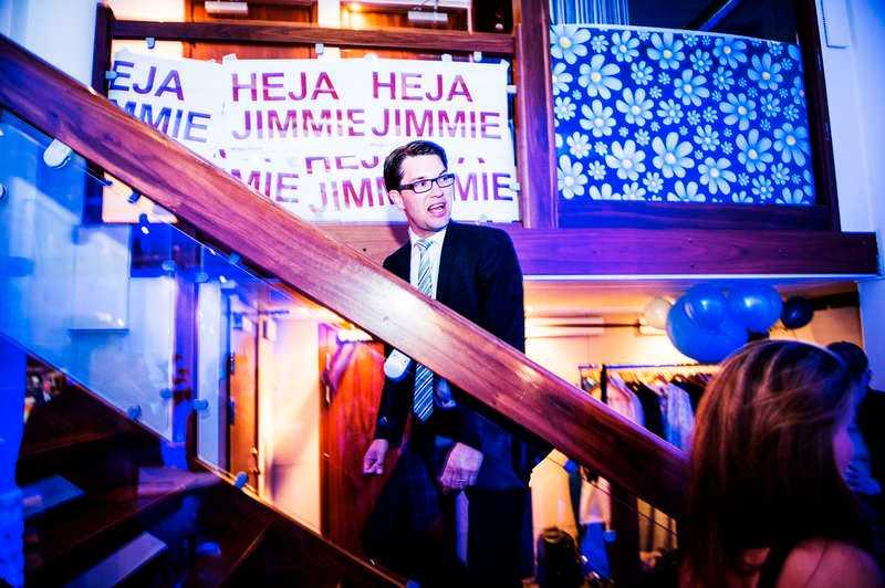 En tunn hinna av humanism. Många är rädda över vad som händer med Sverige i dag. Den rädslan hjälper SD och Jimmie Åkesson framåt.