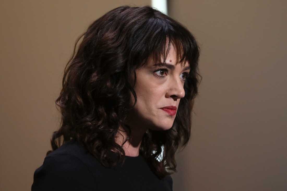 Skådespelaren Asia Argento sörjer sin mor Daria Nicolodi som har gått bort. Arkivbild.