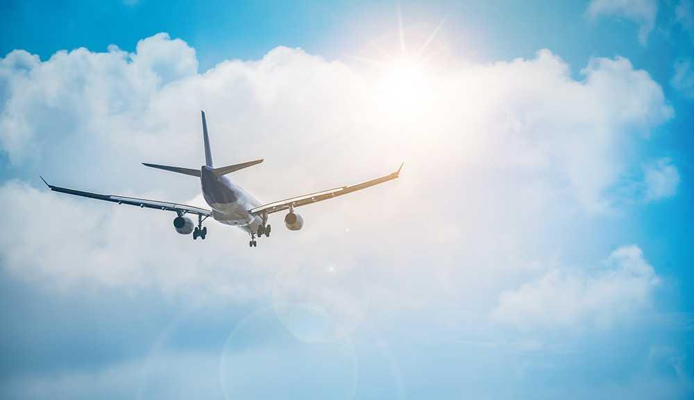 Flygbolagens klimatsatsningar får kritik.
