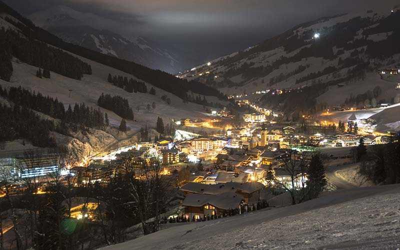 Österrikiska skidorten Saalbach är ett populärt resmål för svenska skidåkare