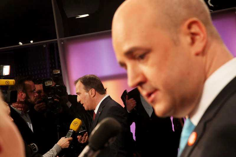 """Hårda ord De politiska påhoppen under gårdagens partiledardebatt i """"Agenda"""" tog inte slut när kamerorna slocknade. Reinfeldt och Löfven var hårda mot varandra – och det var även deras partikamrater."""