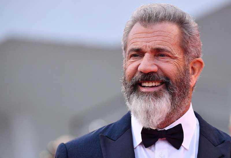 """Mel Gibsons nya film fick stående ovationer i tio minuter av premiärpubliken i Venedig. Nu är han tillbaka från Hollywoods kylskåp. I tio år har han skrivit manus - och arbetat med sig själv. """"Jag har ett kreativt behov som måste tillfredsställas"""", säger han."""