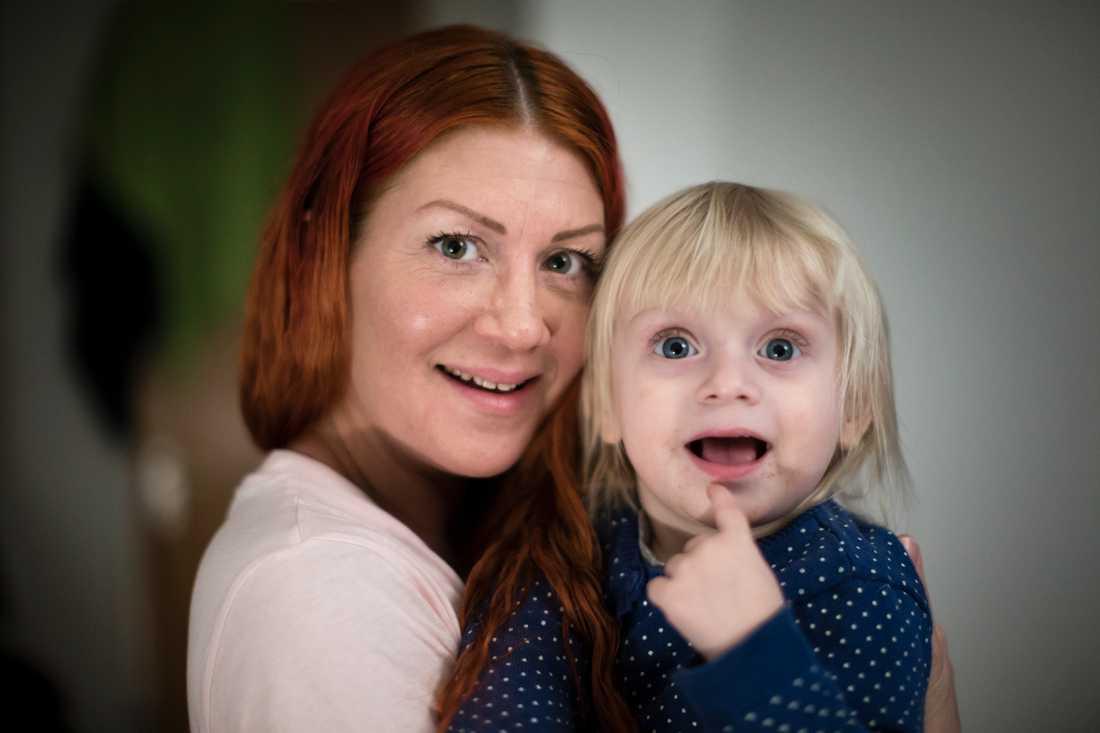 Maria Berg med dottern India