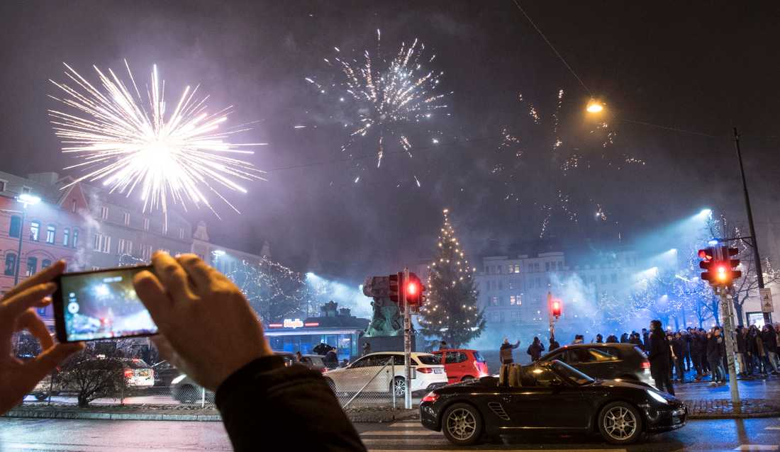 Traditionellt firande på Möllevångstorget på nyår.